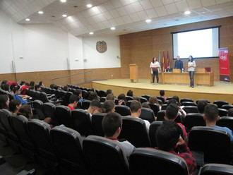 Estudiantes de la UAH aprenden a utilizar los aspectos legales del comercio electrónico gracias al CEEI de Guadalajara