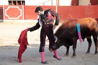 Manuel Perera sale a hombros de Almonacid en la segunda semifinal de Guadalajara busca torero