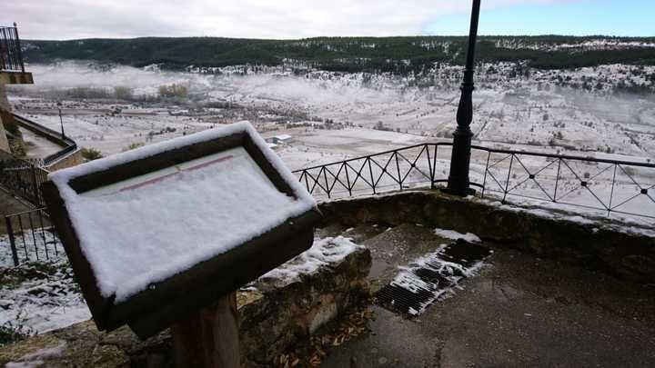 Primera nevada ayer en Beteta Foto : Héctor Trillo