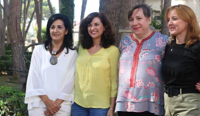 """La portavoz de la formación naranja, Orlena de Miguel, lamenta que el bipartidismo no haya sabido hacer de la región """"una tierra de oportunidades"""""""