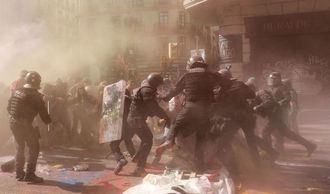 Guardias civiles y policías que han sido agredidos este sábado cuando asistían a una manifestación en Barcelona, exigen que actúe la Fiscalía