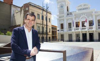 Román vuelve a bajar los impuestos : Guadalajara es la capital de provincia de Castilla La Mancha con menor presión fiscal