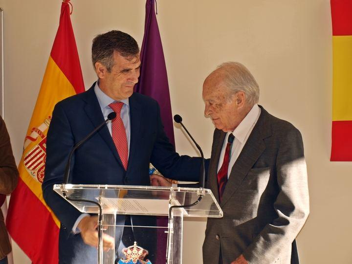 "Antonio Román inaugura la Biblioteca Pública Municipal ""José Antonio Suárez de Puga"""