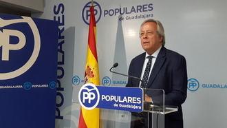 """""""El Gobierno se atrinchera en una alianza que zarandea la unidad de España y amenaza la bonanza económica"""""""