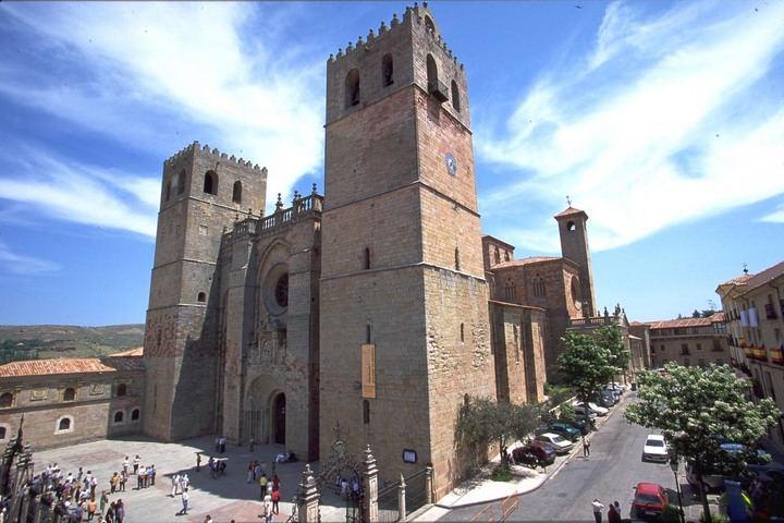 Sigüenza abraza su Catedral