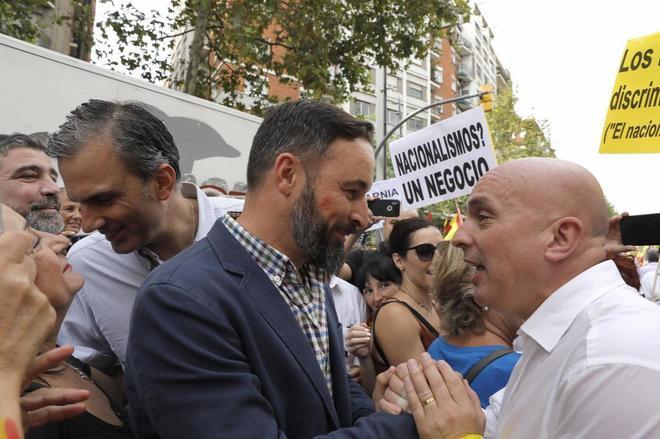 """VOX se querella contra el """"doctor"""" Pedro Sánchez por su tesis y por """"promocionar"""" a su mujer"""
