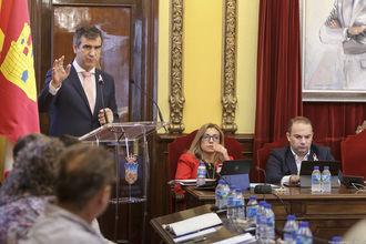 Román anuncia que el Ayuntamiento de Guadalajara ofrecerá ayudas para sufragar los gastos de las escuelas infantiles