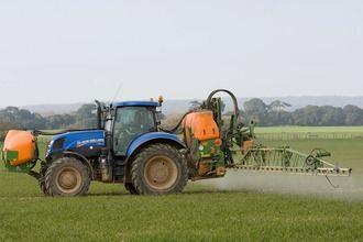 Los agricultores claman porque el gasóleo agrícola ha subido cuatro veces más que el petróleo desde julio