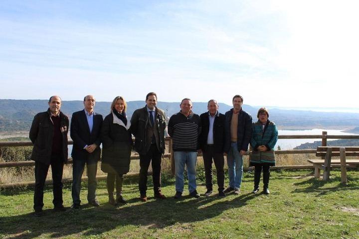 """Núñez apuesta en Auñón por combatir la despoblación """"a través de la creación de empleo, apoyando a los agricultores ecológicos"""""""