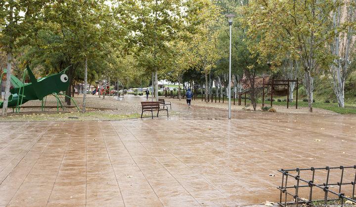 El Ayuntamiento de Guadalajara ya ha concluido los trabajos de mejora del parque situado en la calle Córdoba