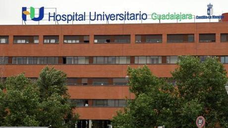 """""""Con 2.302 enfermos esperando más de 180 días para ser operados en Guadalajara, ¿de qué presume Page?"""""""