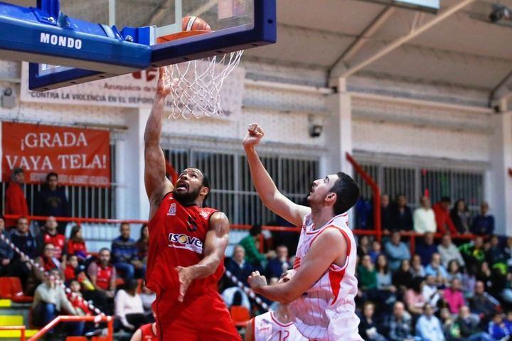 El Isover Basket Azuqueca se llevó el partido de la garra ante el Real Murcia