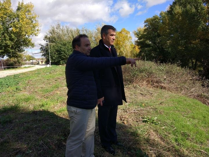 Avanzan a buen ritmo los trabajos de limpieza y tratamiento selectivo de la ribera del río Henares
