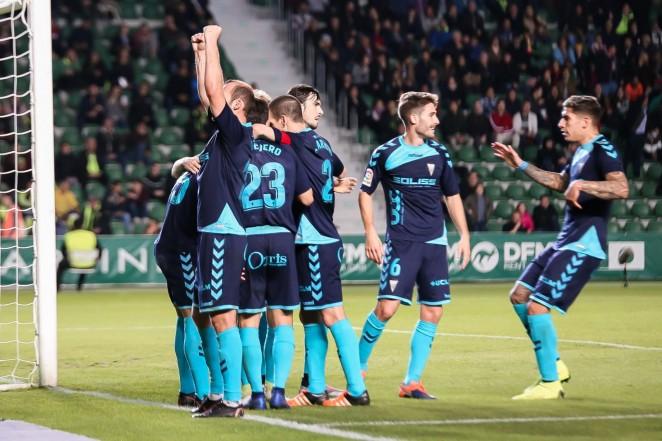 El Alba da otra lección de fútbol y pundonor en un nuevo triunfo frente al Elche