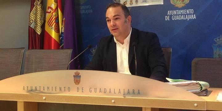 """Carnicero: """"Fomento sí que tiene ya los proyectos que el Ayuntamiento de Guadalajara ha elaborado para tratar de descongestionar Cuatro Caminos"""""""