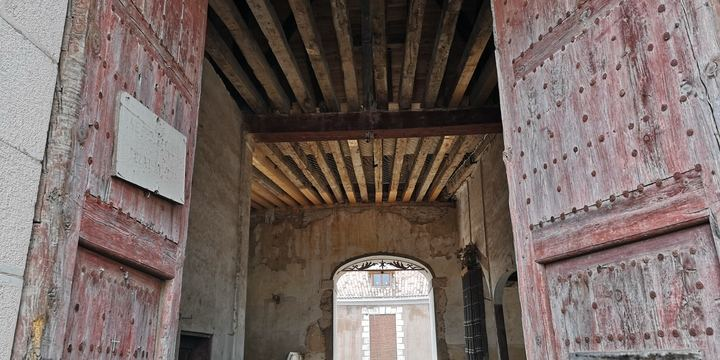El ayuntamiento de Brihuega presume de la recuperacón de las cubiertas de de la Real Fábrica
