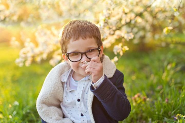 Más del 50% de las lentes graduadas vendidas en España son de índice 1.5 (1), el más común entre los niños, y no proporciona protección UV total a los ojos