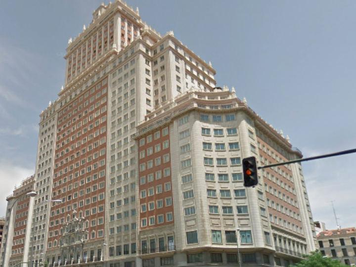 Un juez suspende las obras del Edificio España de Madrid por riesgo en la estabilidad del edificio