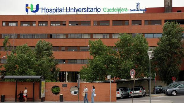 Seis heridos de diversa consideración por la colisión entre tres vehículos en Guadalajara