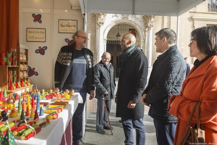 Arranca la nueva edición de la Feria de Artesanía de Navidad