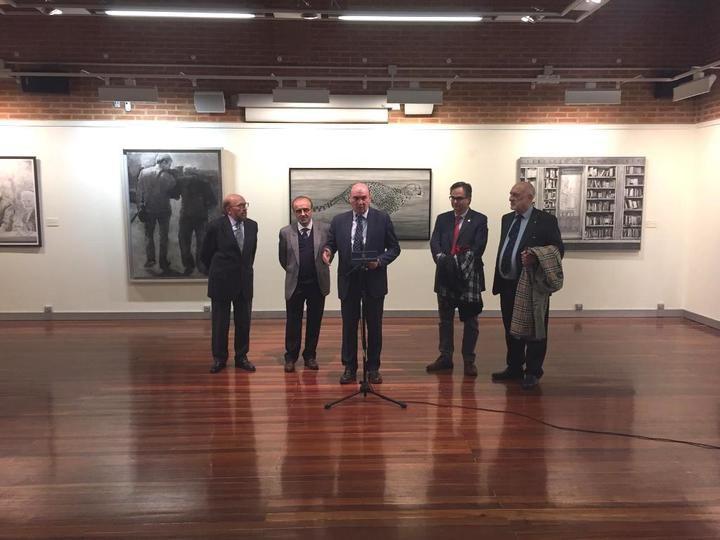 El presidente de la Diputación de Guadalajara inaugura las exposiciones con los trabajos de los Premios Provincia de Dibujo y Fotografía