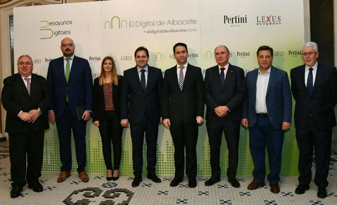 Paco Nuñez anuncia que si el PP gobierna en Castilla La Mancha bajará los impuestos : 'un 33% menos en actos jurídicos documentados, elimina el de sucesiones y donaciones y acabará con el de hidrocarburos'