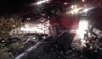 Dos personas atrapadas en su vehículo a causa de un aparatoso accidente en El Casar