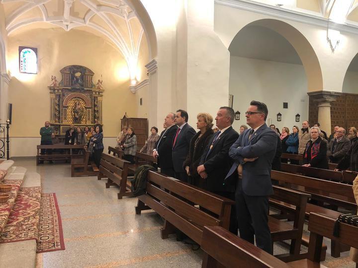 Paco Núñez asiste a la Misa de la Epifanía del Señor en El Casar