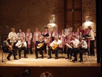 La Rondalla de Sigüenza interpretó en El Pósito su concierto de Navidad