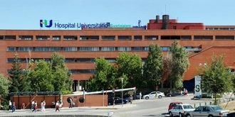 Desesperación entre los pacientes en el Hospital de Guadalajara tras horas esperando para que les 'den cama'