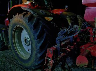 Un hombre pierde la vida en Marchamalo tras quedar atrapado por las vertederas de su tractor