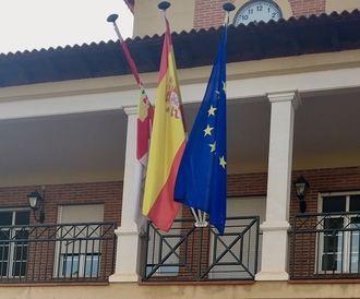 """""""La alcaldesa de Villanueva de la Torre sigue sin explicar por qué recibe dinero del Ayuntamiento en su cuenta personal"""""""