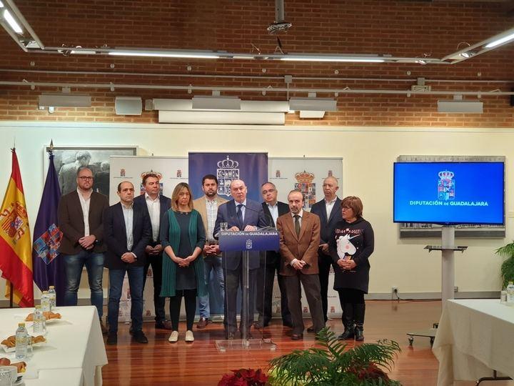 """Latre: """"La gestión económica responsable nos permite continuar con la mayor inversión para los pueblos conocida en esta Diputación"""""""