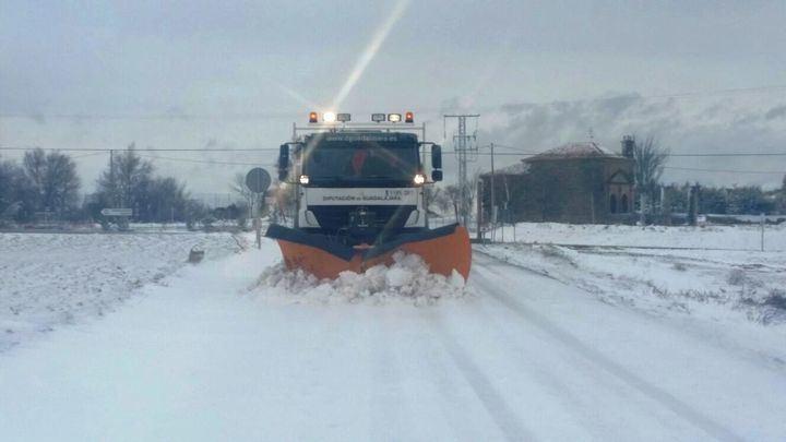 Varios conductores se quedan atrapados por la nieve en Guadalajara