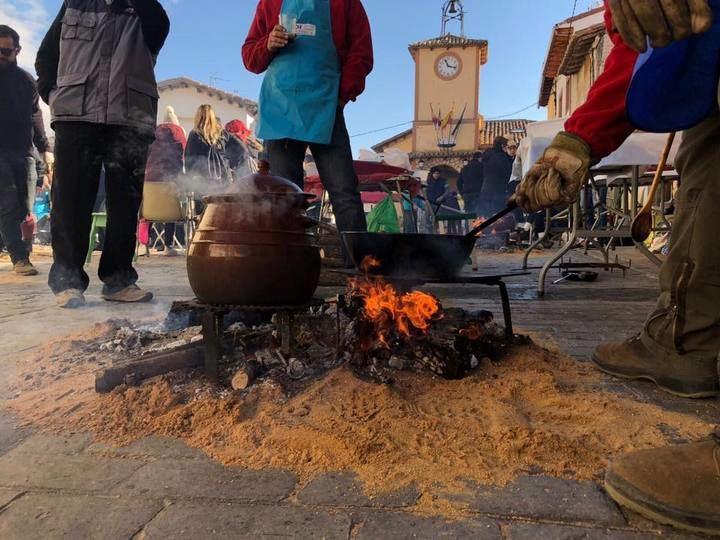 Concurso de Comida de Puchero en Arbancón y Fiesta de Las Candelas