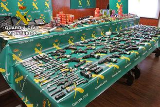 La Guardia Civil incauta 71 armas ilegales en un taller clandestino de Toledo