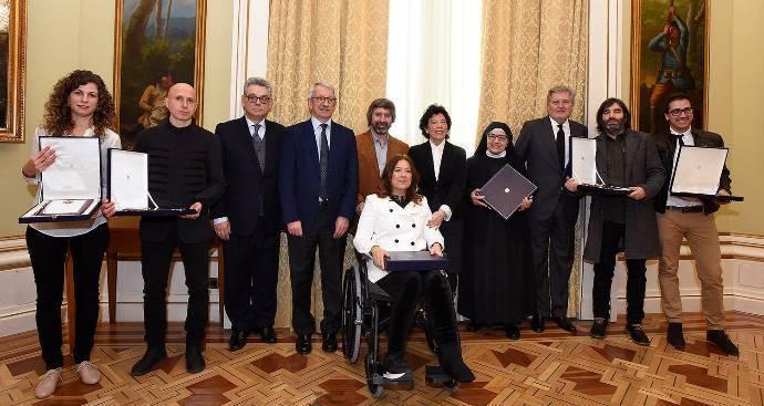 El colegio de las Ursulinas de Sigüenza recibe la Placa de Honor de Alfonso X el Sabio