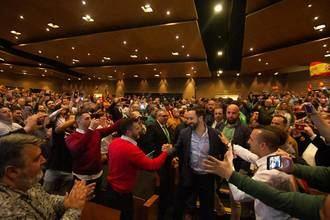 VOX supera todas las expectativas en un mitín en Toledo, 1.000 personas se quedan en las puertas