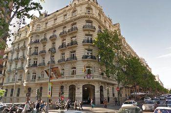 La locura de los precios de la vivienda : de los 9.500 euros por metro cuadrado de Madrid y Barcelona a los 340 de Talavera, el más bajo de toda España