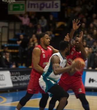 El Isover Basket Azuqueca despide la primera fase en casa con un derbi ante el Albacete Basket