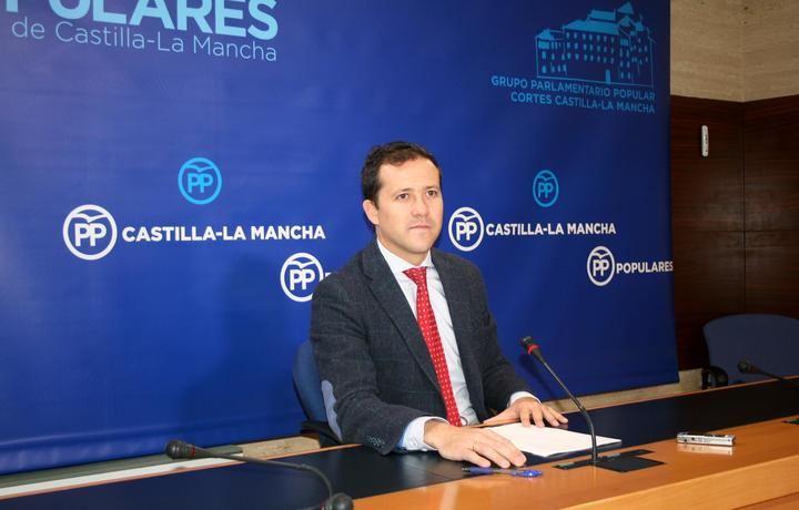 """Velázquez denuncia que Page """"está provocando el desmoronamiento de la sanidad pública de Castilla-La Mancha"""""""