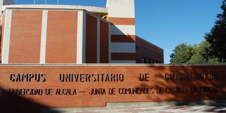 V Semana de Empresariales de la UAH en el Edificio Multidepartamental de Guadalajara