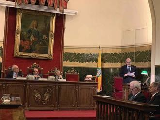 El seguntino Javier Sanz presentó en la Academia de Medicina su 'Diccionario biográfico histórico de dentistas'