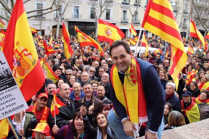 Decenas y decenas de miles de personas claman por la unidad de España y piden ¡elecciones ya!