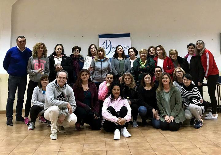 Un taller de defensa personal femenina enseña a alrededor de 40 yebranas a actuar ante posibles agresiones