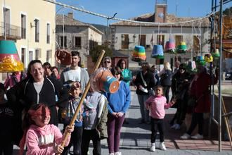 Pareja celebró el Jueves Lardero con sus tradicionales pucheros