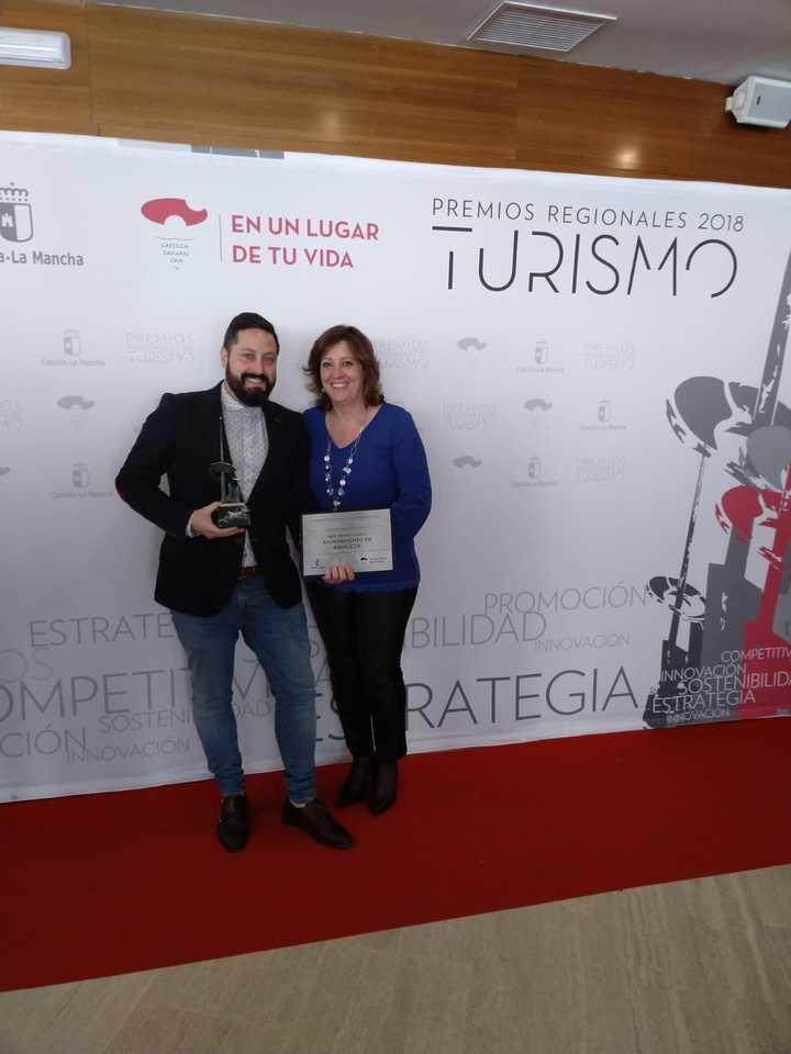 El alcalde de Brihuega recoge el premio al Mejor Destino Turístico de Castilla La Mancha