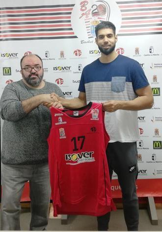 El ala pivot candiense Nick Madray, nuevo jugador del Isover Basket Azuqueca