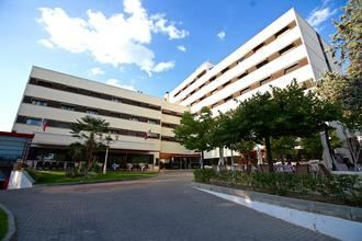 Un incendio obliga a evacuar a 240 clientes del emblemático Hotel Torremangana en Cuenca