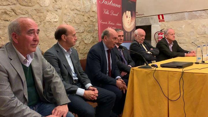 Pastrana homenajea a José Luis Herguedas por sus 36 años al frente de la Feria Apícola